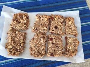 Homemade Tasty Bars Recipe - Breakfast on the go (Vegan)
